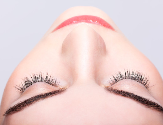 Augenlid-OP's gehören zu den häufigsten Eingriffen in der Ästhetik. Gibt es dafür das perfekte Timing? Was rät ein Plastischer Chirurg zur Lidkorrektur? www.marinajagemann.com