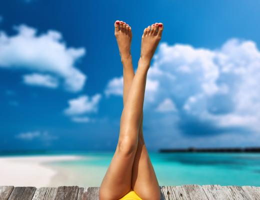 Liposuktion: Eine Fettabsaugung des Reithosenspecks ist für Frauen vom Birnentyp fast die einzige Möglichkeit, eine schlankere Silhouette zu bekommen.