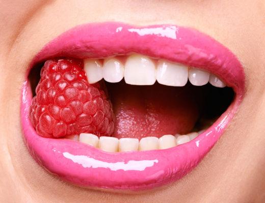 Keep on smiling – zu einem strahlenden Lächeln gehören makellose Zähne und gesundes, rosiges Zahnfleisch. Was kann die Dentalmedizin heute dafür tun?