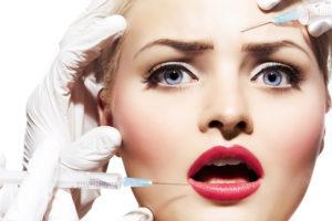 Gibt es den perfekten Zeitpunkt für erste Botox-Injektionen? Wie sicher ist die Behandlung, was sind die Kosten und Nebenwirkungen? Alles über Botox to go und Botox Flatrates auf www.marinajagemann.com