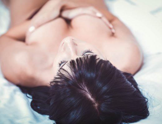 Brustvergrößerung, Brustimplantate, Erfahrungsbericht Brustvergrößerung, Risiken Brustvergrößerung, Kosten Brustvergrößerung, Nürnberger Klinik, Dr. Jens Baetge, Marina Jagemann