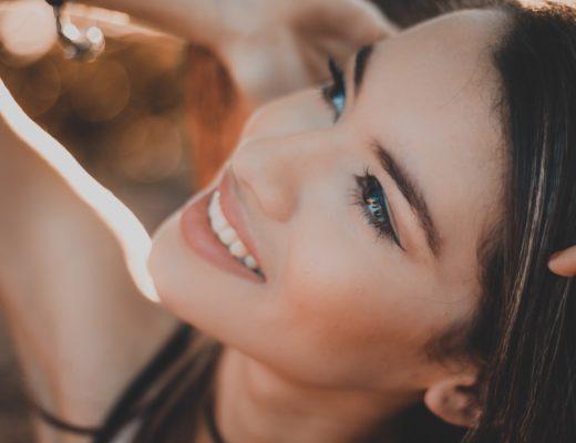 Zahnimplantate, Implantologie, Zahnersatz, Knochenaufbau, schöne Zähne, Marina Jagemann