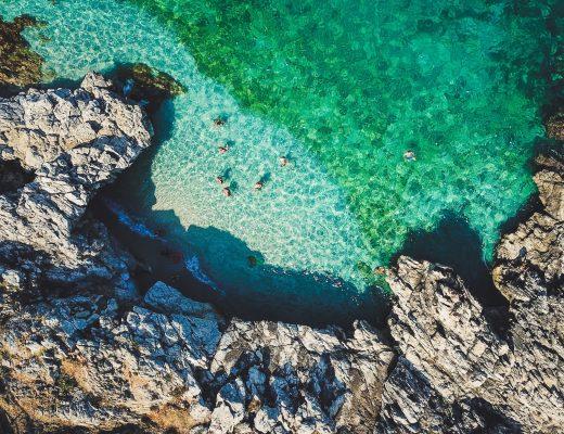 Küste von Sizilien im Oktober