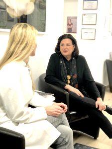 Marina Jagemann und Dr. Stefanie Meyer im Gespräch