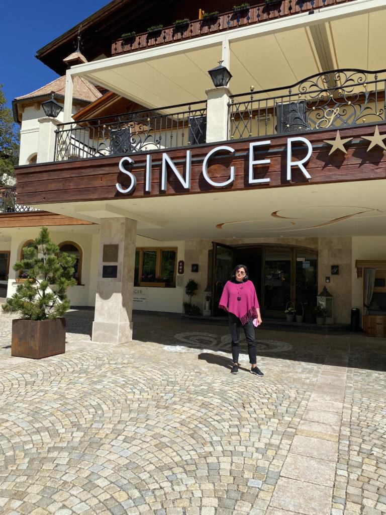 Ankunft im Hotel Singer von Marina Jagemann